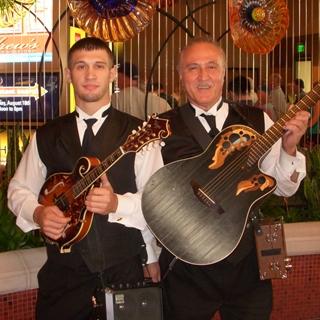 Faiella Duo, Strolling Performers