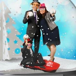 Snapshot, Photobooth, SnowGlobe, Holiday Entertainment